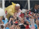 Papa: in milioni sotto l'acqua per messa conclusiva
