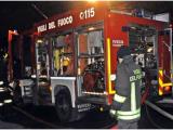 Rione Traiano, danneggiato dalle fiamme un bar in via Antonino Pio