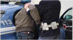 Sorpreso in possesso di droga: 42 enne arrestato dalla polizia