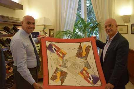 ben noto nuovo elenco nuovo arrivo Moda: con foulard E.Marinella rende omaggio a Modigliani | Capri Event