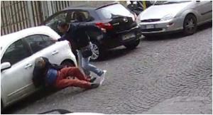 Aggredito per la gestione di un parcheggio, muore pensionato