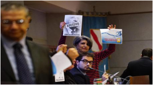 Occupato Consiglio della Regione Campania, M5S: Costretti nostro malgrado per contrastare colpo di mano di un presidente abusivo
