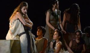 Teatro: Anna Falchi e Cristicchi in cartellone al Toto'
