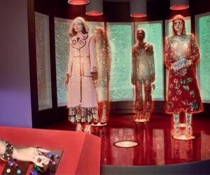 Tendenza: il retro futuro di Gucci tra umanoidi e dinosauri