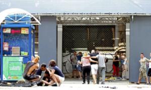 Barcellona, 33enne di Pozzuoli ferito colpito di striscio dal furgone nell'attentato