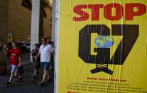 G7:Napoli,poster antagonisti lanciano cortei'Tutti a Ischia'