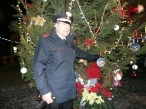 Ischia accende l'albero di Natale in ricordo delle vittime del sisma, con la Fanfara dei Carabinieri