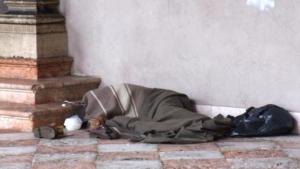 Gaeta: continuano azioni anti freddo per clochard