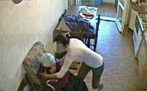 Bagnoli:picchia anziana e aggredisce poliziotti, arrestata badante