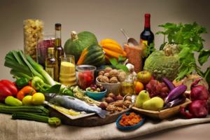 Verdure, frutta cereali integrali, e' la dieta della felicita'