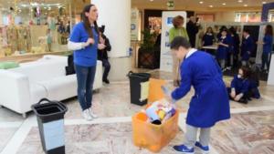"""Rifiuti: domenica a Napoli la differenziata diventa un gioco, """"Carta al Tesoro"""""""
