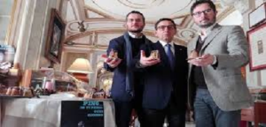"""Napoli, al Gambrinus il """"Pinuccio"""": dolce omaggio realizzati dallo storico caffè, """"per ricordare Pino Daniele"""""""