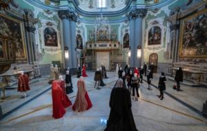 """Michele Miglionico: Madonne Lucane, """"vestiti che profumano di incenso""""-fotogallery"""