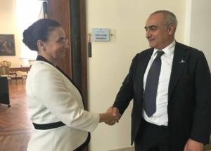 Ana Maria Oproiu visita il Cardarelli nel ricordo della tragedia di Bucharest
