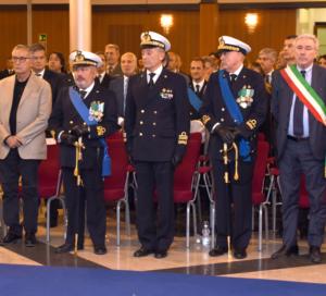 L'emozionante cerimonia del passaggio di consegne alla stazione marittima di Napoli