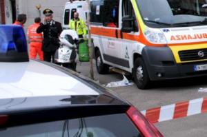 Tragedia a Mugnano: muore travolta dal cancello scorrevole di casa sua
