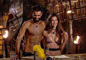 Ariadna Romero e Ghezzal, una nuova coppia all'Isola dei Famosi? Alessia Marcuzzi prova a far sbottonare i due: c'è feeling