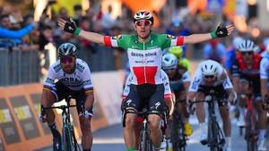 Ciclismo: Tirreno; Viviani vince in volata la quarta tappa