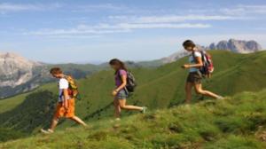 """""""Oltre i passi: esperienze in cammino"""": quando la camminata fa bene alla mente"""