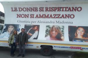 8 marzo: cartelloni per vittima femminicidio a Mugnano