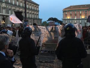 """Salvini: si' alle critiche anche colorate, """"no alla violenza"""""""