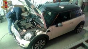 Falsificava documenti di auto rubate, arrestato 28enne