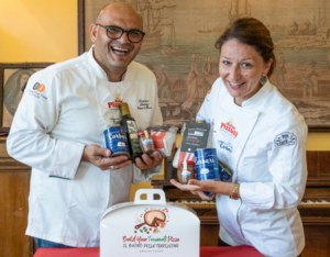 """La """"Pizza di Tramonti"""" in una bag  A firmarla Pamela Viggiano e Francesco Maiorano"""