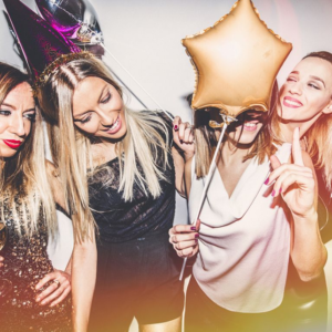 Come vestirsi in discoteca: ecco alcuni suggerimenti! 4 look diversi in base al tipo di serata
