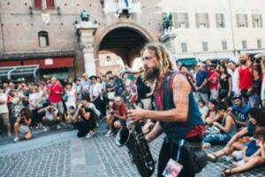 Artisti 'a cappello' al Ferrara Buskers Festival