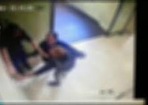 """Ospedale Loreto Nuovo: schiaffeggia medico al pronto soccorso: """"troppo lenti"""""""