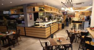 Nasce all'Avenida Caffè di Pianura il panino emblema del territorio