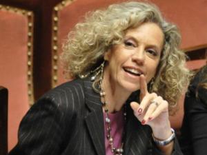 Festival Eccellenza femminile, premio Ipazia alla senatrice Cirinnà