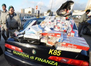 Contrabbandieri di sigarette: percepivano il reddito di cittadinanza