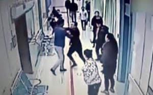 """Cardarelli: Paziente degente aggredisce 2 infermiere""""Tanto ti aspetto al parcheggio"""""""