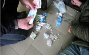 Trasforma la casa in centrale di spaccio, arrestato 39enne