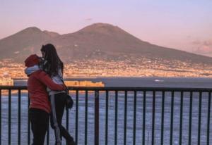 """Innamorati di Napoli:domenica 50 tour con """"ciceroni illustri"""""""