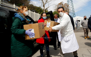 Il Comune dona mascherine al Cotugno e ai medici di base