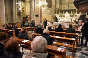 """Coronavirus: parroco e fedeli in chiesa per messa,""""sanzionati"""""""