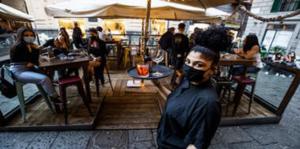 Baretti a Chiaia: Chiudere alle 23 e' una follia