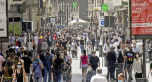 Caos movida a Napoli: In arrivo 60.000 'assistenti civici' tra i disoccupati