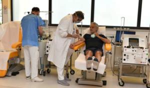 """Bocelli rivela: """"Ho sconfitto il coronavirus"""". E dona il plasma per la terapia anti-Covid"""