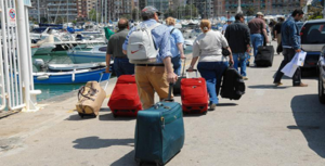 Vacanze : boom di prenotazioni per agosto, nelle località turistiche