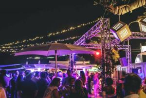 A Pozzuoli discoteca sulla spiaggia, locale chiuso dai vigili