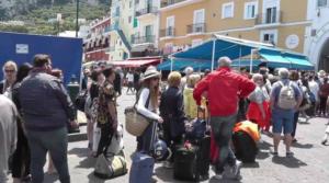 """Sorridono Capri e Ischia agosto positivo: ma fine estate il rischio di una """"chiusura"""""""