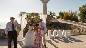 "Wedding in ginocchio: ""De Luca ci sta massacrando"""