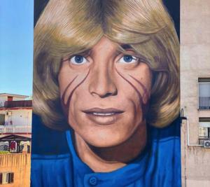 Completato il murale di Nino D'Angelo realizzato da Jorit a San Pietro a Patierno