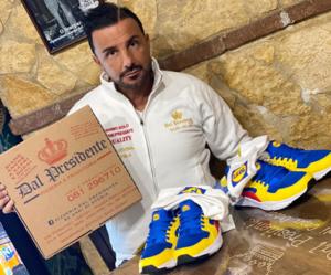 Scarpe Lidl, pizzeria napoletana le regala al miglior cliente