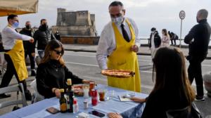 """Napoli: i ristoranti ripartono, ma ora dateci il """"week-end"""""""