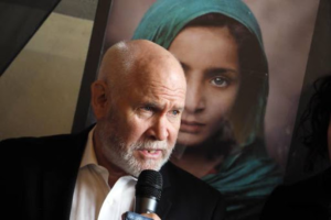 600 scatti: Steve McCurry nelle scuole reggiane