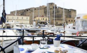 """Napoli in Zona Gialla: Befana felice per i ristoratori """"una boccata d'ossigeno"""""""